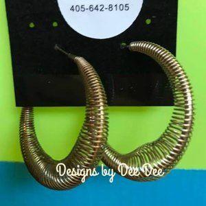 Vintage Gold Tone Hoop Earrings